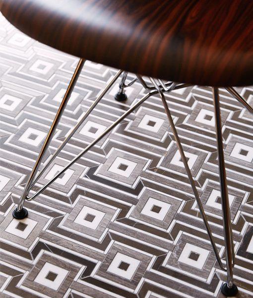 Globetrotter in Caffe Bruno Floor