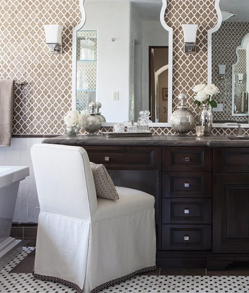 Vibe Moroccan Mosaic in Suede with Tuileries Brique Field Tile in Blanc and Chocolat Decorative Quarter Round